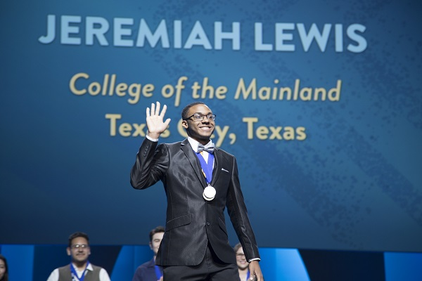 COM Student Receives National PTK Award